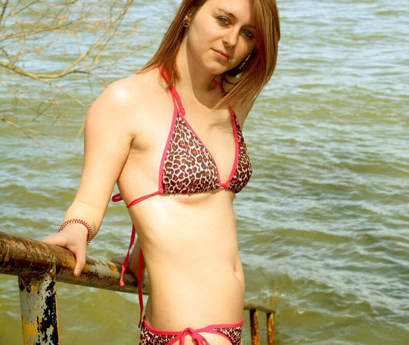 Bikini Model: Santanna