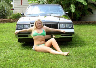 Bikini Model River Modeling with Classic Car for Swim Rags (3)