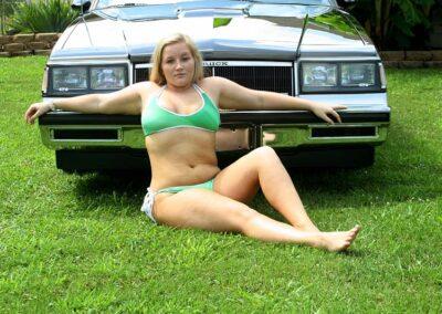 Bikini Model River Modeling with Classic Car for Swim Rags (4)