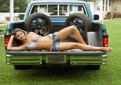 Teen Bikini Model Greta Classic Car Photos for Swim Rags (19)